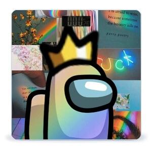 Bascula personaje con corona Among Us