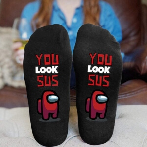 Calcetines you look sus personaje rojo Among Us