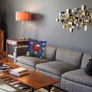 Cojin en sofa Among Us