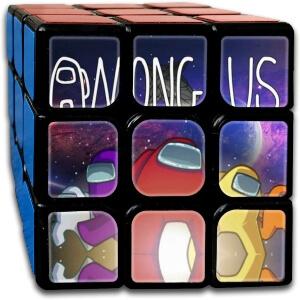 Cubo Rubik personajes con nave espacial y letras Among Us
