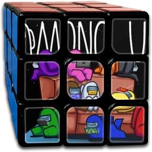 Cubo Rubik personajes en el sofa Among Us