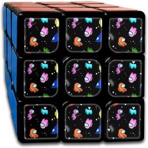 Cubo de Rubik personajes en el espacio Among Us