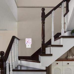 Mini luz de Among Us en las escaleras