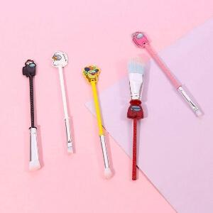 Productos cosmeticos de Among Us